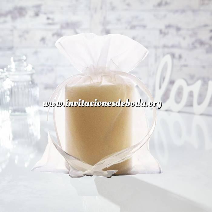 Imagen Tamaño 13.5x19 cms. Bolsa de organza Blanca 13.5x19 capacidad 13x17 cms.